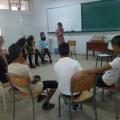 Au fil des ateliers, les jeunes prennent de plus en plus la parole, la confiance s'installe.
