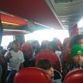 Départ en bus : les français sont contents d'être avec les brésiliens !