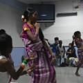 La danse des indiens est aussi belle que leurs costumes