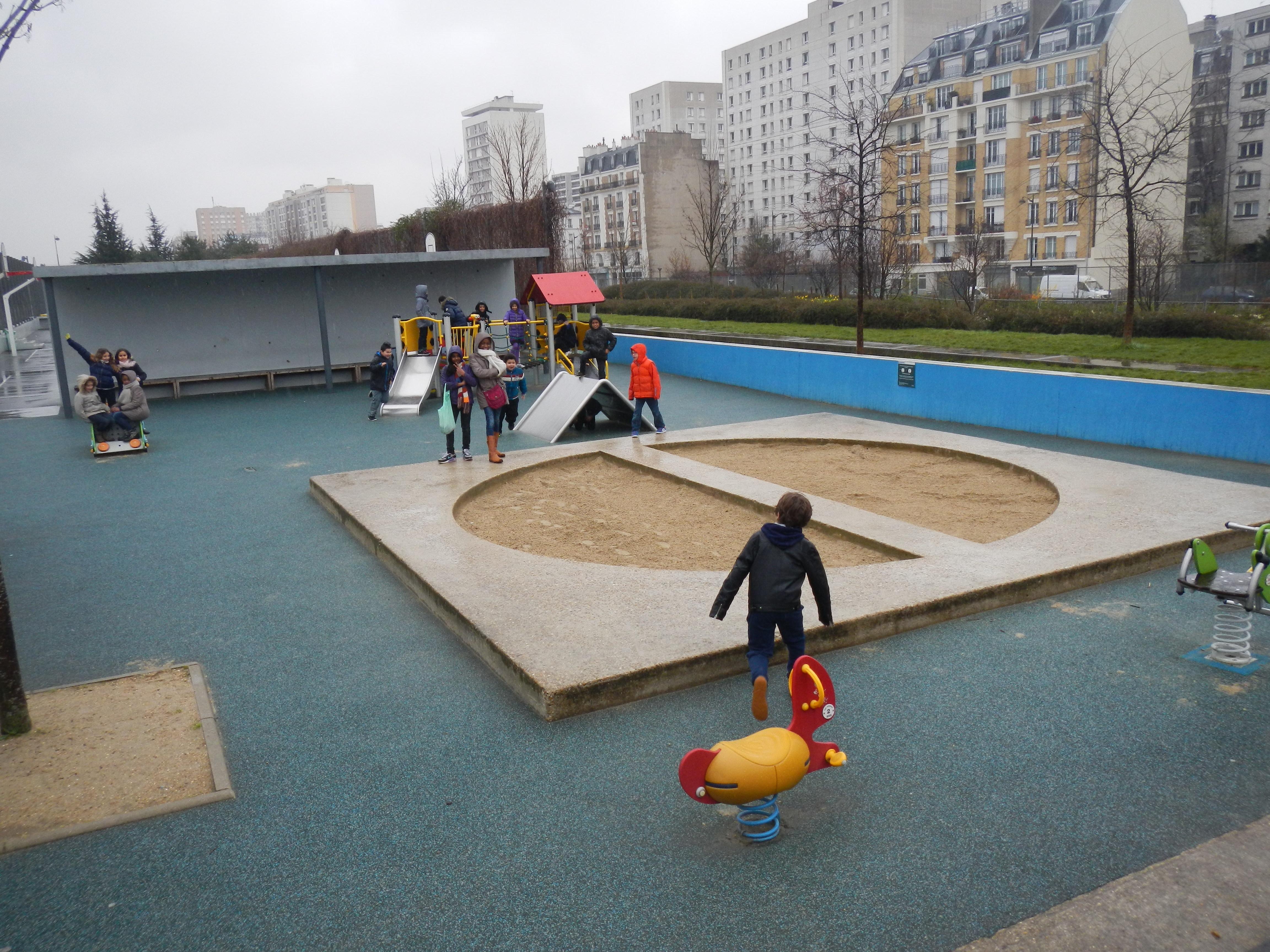 1er Arrêt : les jardins d'Eole, lieu de rencontre entre les enfants du 18ème et du 19ème