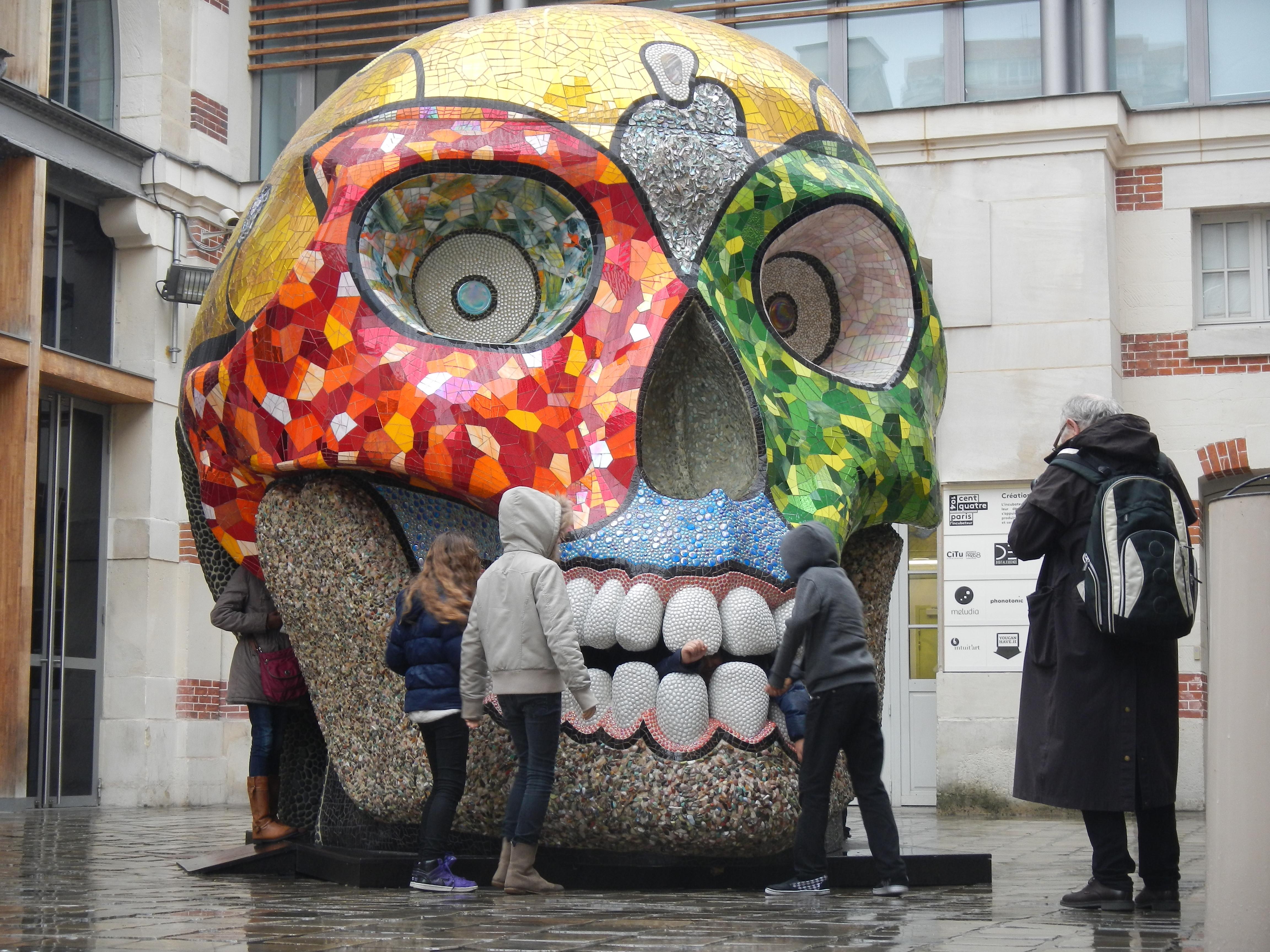 Découverte, interrogation et jeux autour de la Cabeza de Niki de Saint Phalle