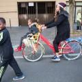 Même le vélo Korhom est de la partie malgré la crevaison !